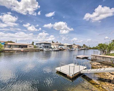 Waterfront Hernando Beach Home w/ Dock & Hot Tub! - Hernando Beach