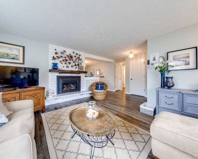 Updated, Family & Dog-friendly Home w/ Ping-pong, 3 Blocks to Beach! - Seaside