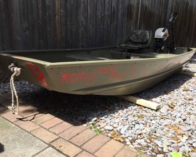 10ft Tracker Jon Boat with electric motor battery & charger