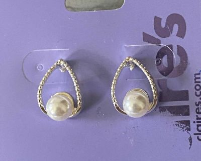 Claire s Earrings -NWT $5.99