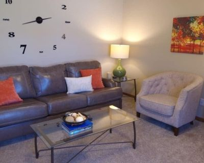 Just Perfect! Clean & Comfy Two-Bedroom Home! - St. Joseph