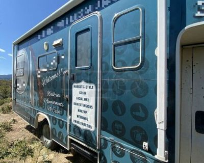 2005  24' Chevrolet Jayco MT Mobile Hair Salon Truck with Bathroom