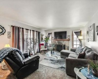 2402 S 83rd St, West Allis, WI 53219 2 Bedroom House
