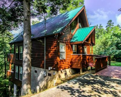 This Cabin Has It All! Size, Luxury, Secluded, Location, Amenities, Accessible - Pigeon Forge