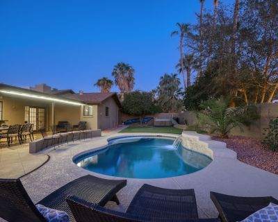 5 bedroom home with 2 master suites. Pool and outdoor space! - Raskin Estates