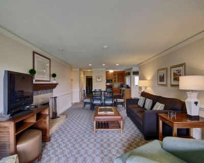 Luxurious 3 Bedroom Condo Sleeps 8! - Kingsmill