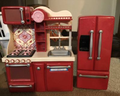 Kitchen and fridge for 18 inch doll
