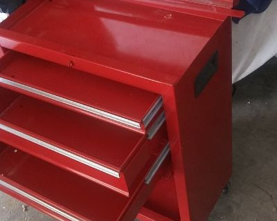 Tool Chest great condition, like new