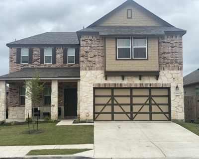 King Suite Deluxe 4 bedroom plus game room and loft area home - Manor