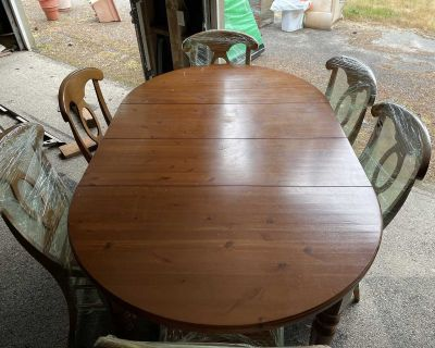 Pottery Barn Table and 6 Chairs