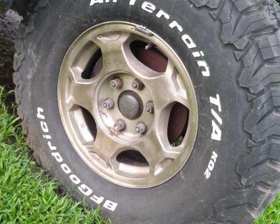 Goodrich All Terrain Tires & Chevrolet Factory Wheels