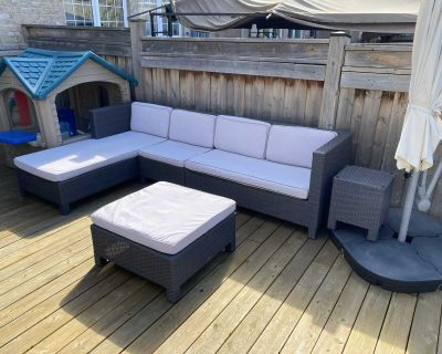 Alfred Sung Barcelona outdoor patio furniture set Purchased 4 years ago for $3000 Comes with everyting you see in the pictures.