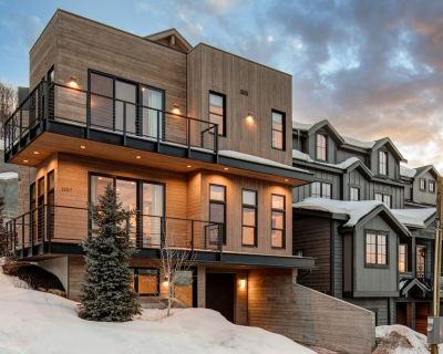 Stunning Remodel, King's Crown Amenities, Steps to Trails | Abode at Life is Beautiful - Downtown Park City