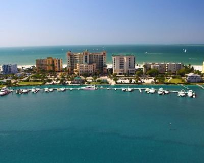Amazing White Sand Beach! Perfect for 6! Pool, Parking ang Gym - Fort Myers Beach