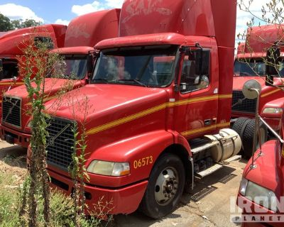 2006 Volvo VN VNM 4x2 S/A Day Cab Truck Tractor