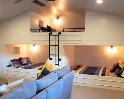 4BR Modern TH w/ AWESOME bunk room. Close to ski, boat, sled, golf, fish, etc - Kamas