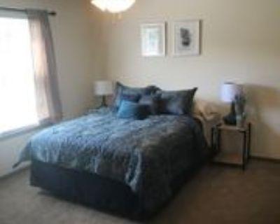 Glenstone Glenstone Drive ##1, Columbia, MO 65201 Room