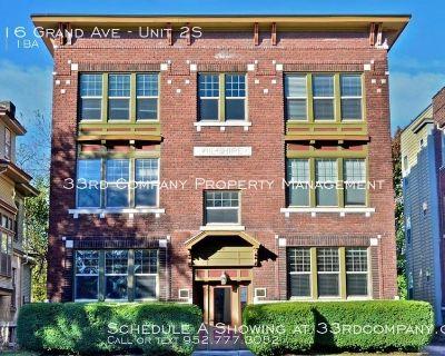 Union Hill Vintage Building Apartment
