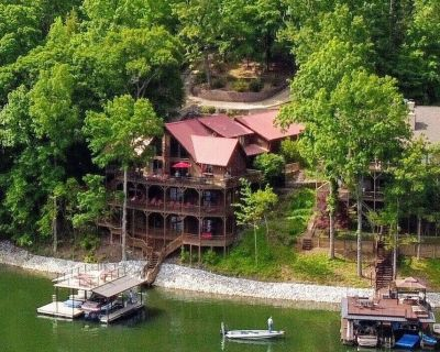 7 Bedroom Luxury Lodge On Lake Lanier, GA With Private Dock And Swim Platform - Dawsonville