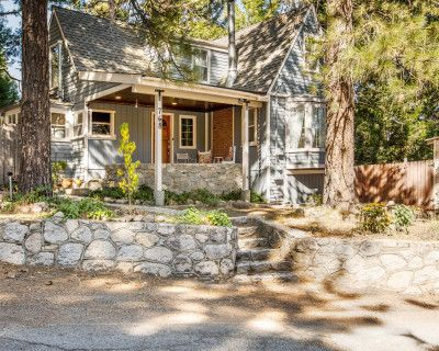 Charming Chic Cottage in the Woods Near a Lake, Twin Peaks, CA
