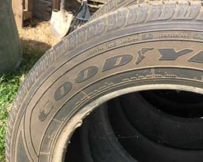 3 used Goodyear tires 235 65 R 18