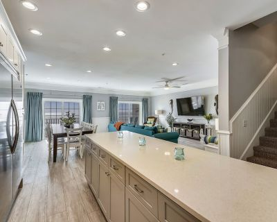 COMPLETELY REMODELED FOR 2019, OCEANFRONT, 6 BEDROOMS, 5 BATHS, PENTHOUSE VILLA - Ocean Drive