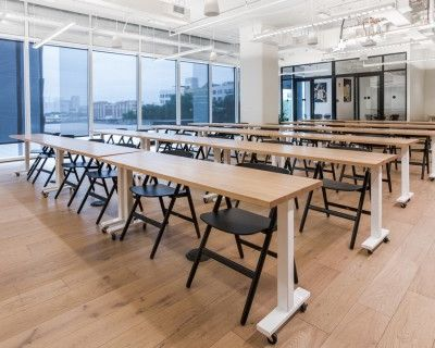 Bright and Airy Midtown Workshop Space with Amazing Amenities!, Atlanta, GA