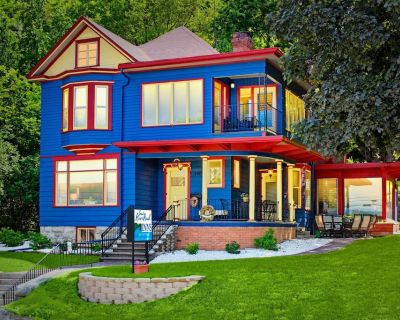 Great River Road - Victorian Historic Home (1898) - Fountain City