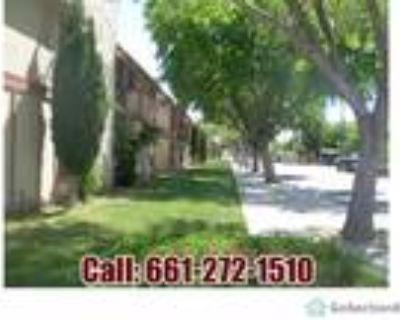 215 E Avenue Q10 8