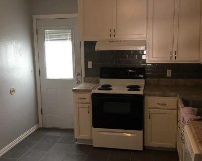 Private room with shared bathroom - Oklahoma City , OK 73112