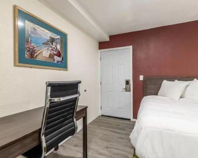 Americas Best Value Inn Needles - Family Room Suite 5 - Needles
