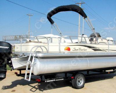2008 Sun Tracker 21' Fishin Barge
