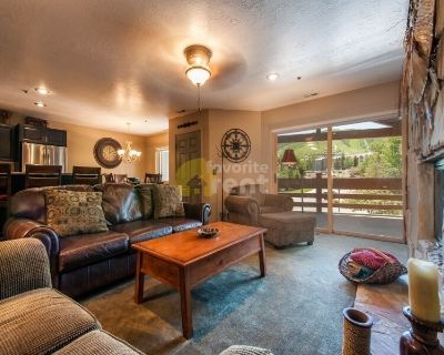 Available NOW!!! 2 bedroom Condo in Downtown Park City