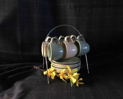 Set of 6 espresso cups and saucers with wire holder