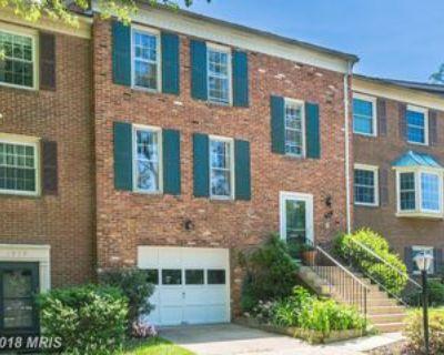 1941 Kirby Rd, McLean, VA 22101 3 Bedroom Apartment