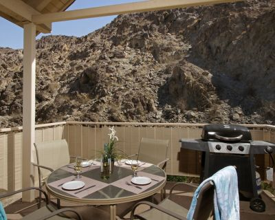 Condominiums with beautiful mountain views - Indian Wells