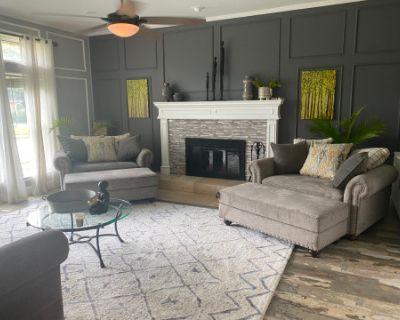 Cozy Home along Wimbledon Drive, Arlington, TX