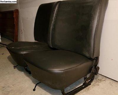 Front seat set refurbished