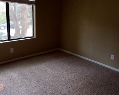 $825 per month room to rent in Ken Caryl available from July 31, 2021