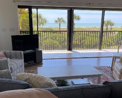 Clamshell A: Gulf Front, Private Townhome with Wall-to-wall Sliders. 2bed/2bath, Bikes Included! - Sanibel