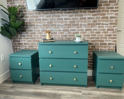 Emerald green bedroom set with night stands and dresser