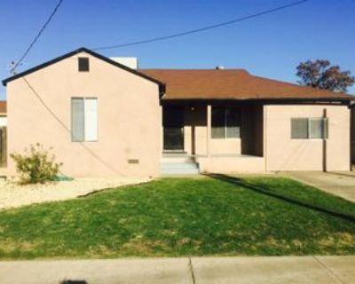 245 N 7th Ave #1, Oakdale, CA 95361 3 Bedroom Apartment