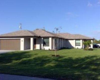 102 Se 4th Pl #102, Cape Coral, FL 33990 3 Bedroom Apartment
