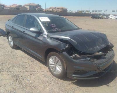 Salvage Gray 2019 Volkswagen Jetta