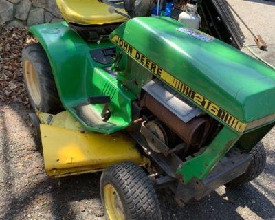 John Deere 216 riding mower
