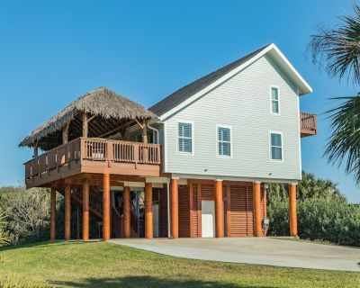 Dog-Friendly, Two-Story House w/Deck, Private Hot Tub, Gas Grill -Near the Beach - Galveston
