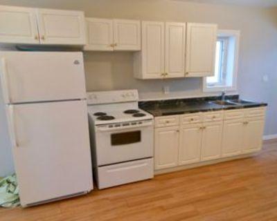 1208 Garnet St #1, Regina, SK S4T 2Y1 2 Bedroom Apartment