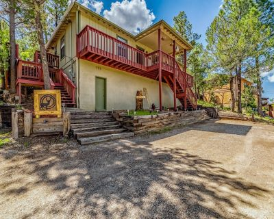 Deer Crossing: A Family Favorite with 3 Bedrooms and a Private Hot Tub! - Ruidoso