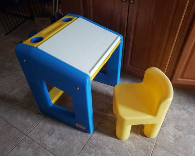 Little Tykes Desk and chair set