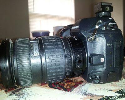 Olympus digital e-1 with the extra lens 1.4 x teleconverter ec-14